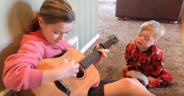 Touching Moment A Brother And Sister Sing 'You Are My Sunshine'
