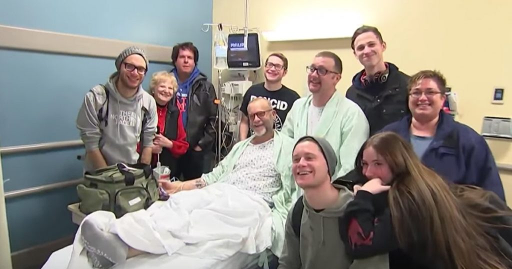 Man Gets A Kidney After Wearing A T-Shirt To Walk Disney World