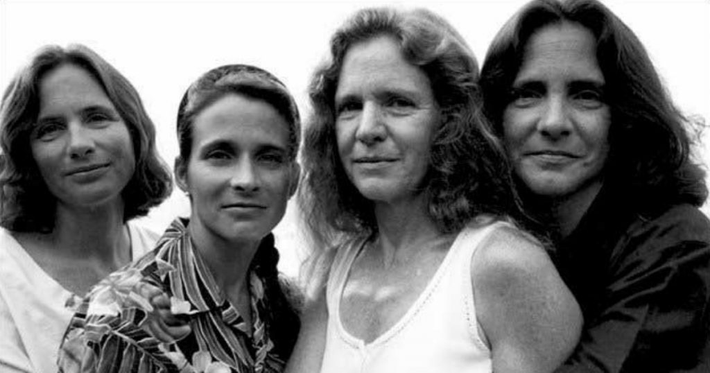 godupdates same photo of 4 sisters for 43 years 21