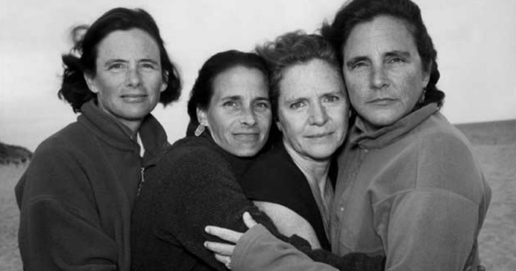 godupdates same photo of 4 sisters for 43 years 26