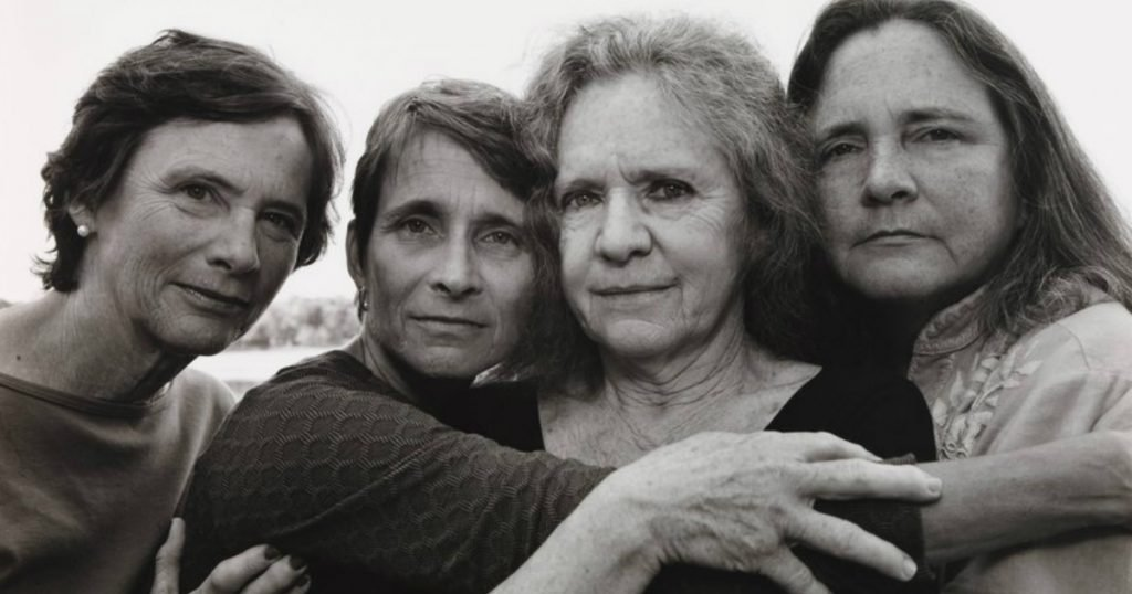 godupdates same photo of 4 sisters for 43 years 38