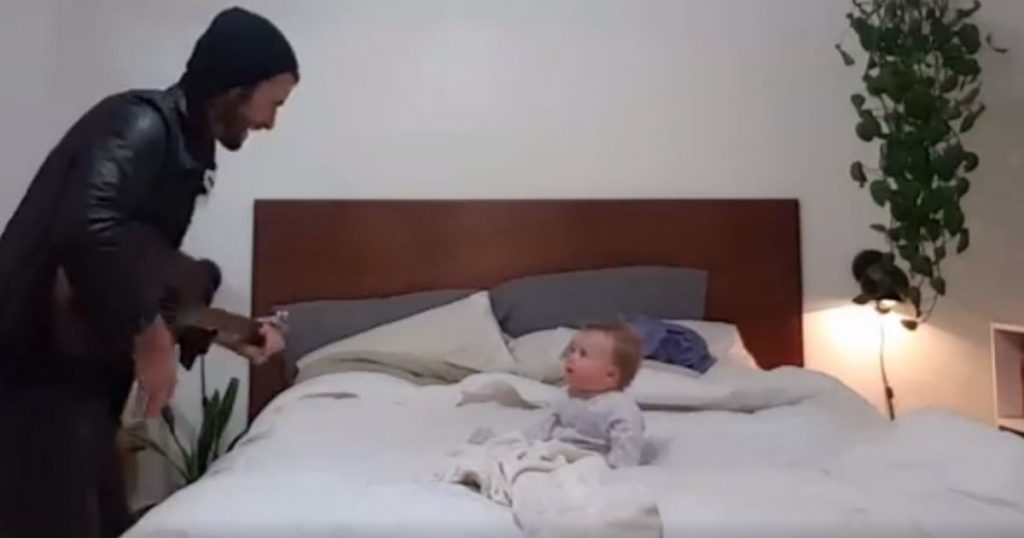 godupdates daddy serenades baby girl