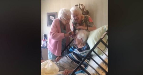 Grandma's Two Sisters Lovingly Help Her With Her Hair While She Is Ill