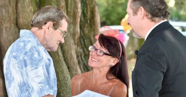 Couple Remarries After Man With Alzheimer's Proposes Again