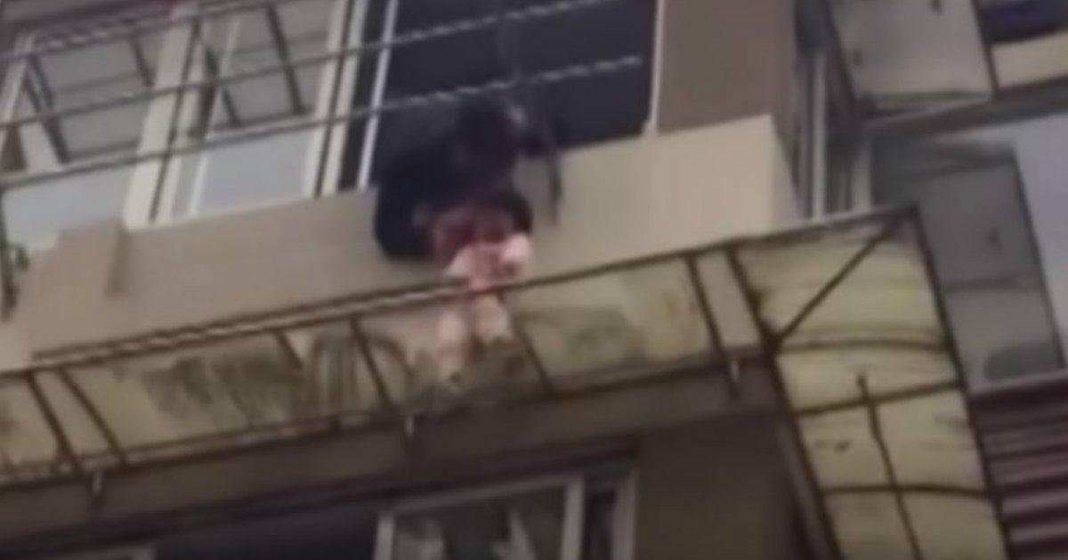 godupdates toddler dangerously dangling