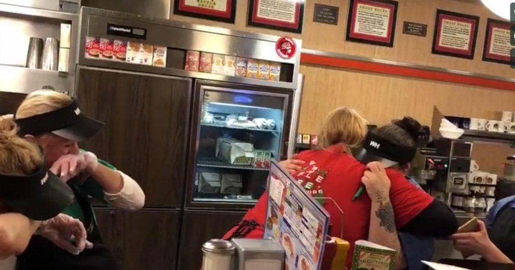 godupdates waffle houses servers get huge tip
