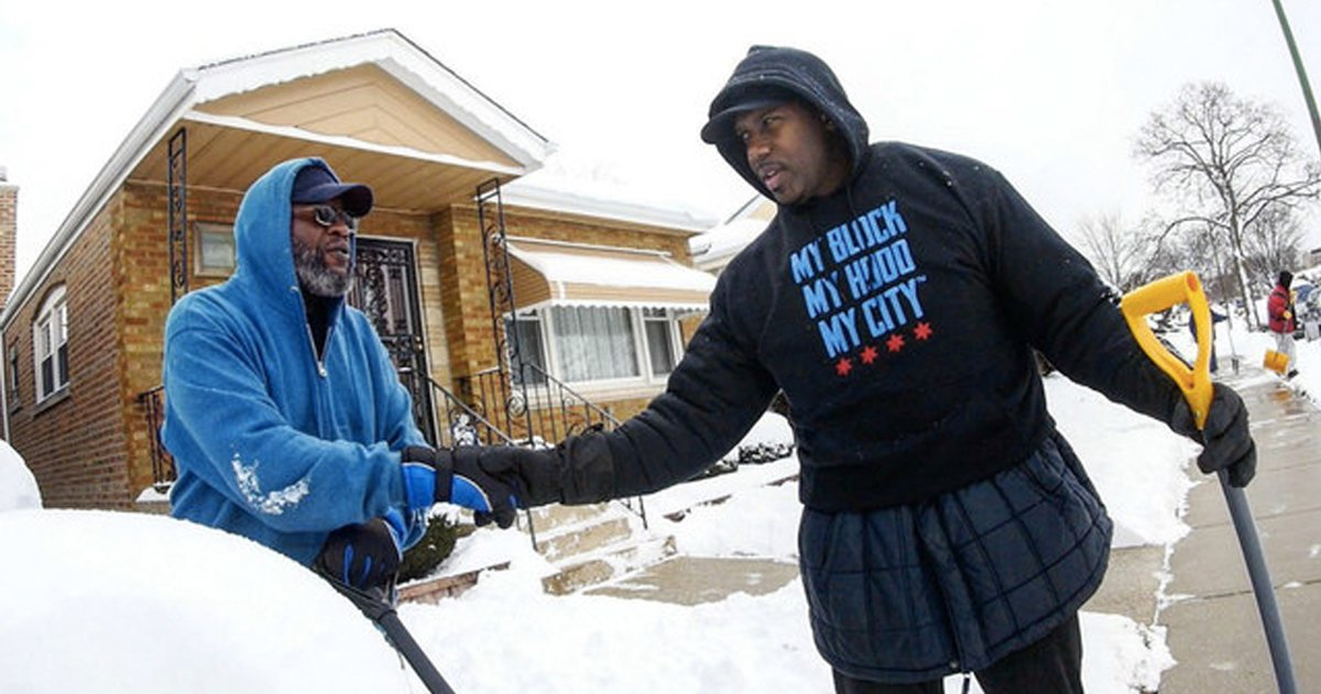 He Needed 10 Volunteers To Help Senior Citizens, 100 Showed Up _ Jahmal Cole _ godupdates