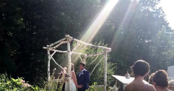 Bride Honors Late Father During Wedding In The Most Amazing Way