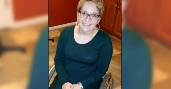 Teacher In A Wheelchair Bursts Into Tears When Her Students Tell Her This