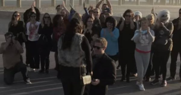Boyfriend Planned An Amazing Flash Mob Proposal On The Beach