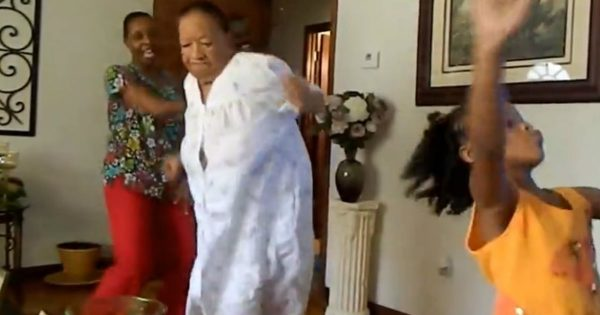 94-Year-Old Grandma Shows Of Her Fancy Moves While Dancing With Her Family
