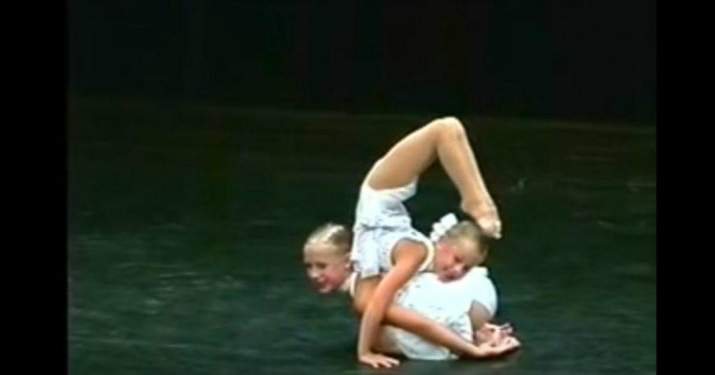 godupdates two dancing sisters