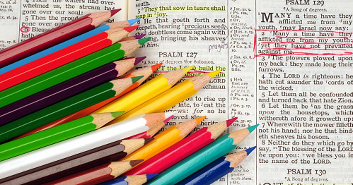 Christian Life Hacks _ color pencil color code Bible _ godupdates