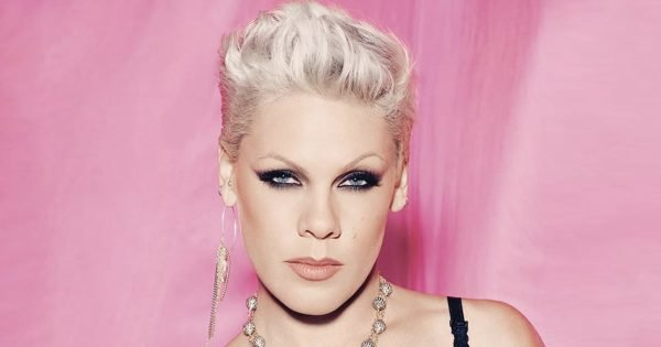 Pink Responds Perfectly To The Twitter Troll Who Called Her 'Old'