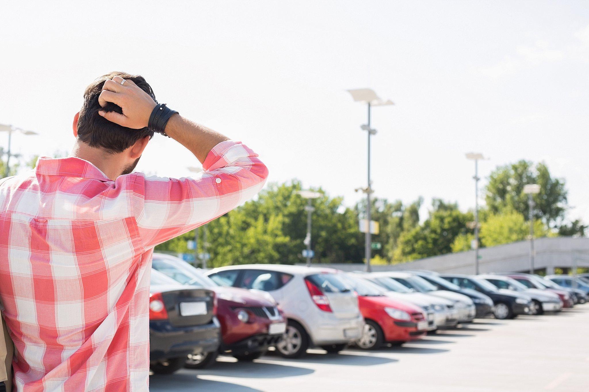 God Answered Prayer in Parking Lot - Shoulder Taps
