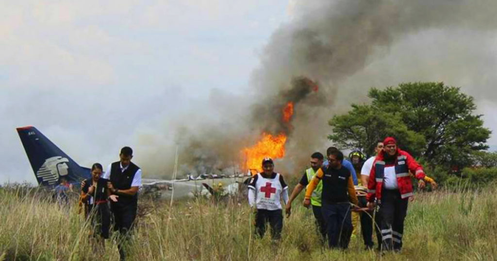 aeromexico plane crash miracle 1