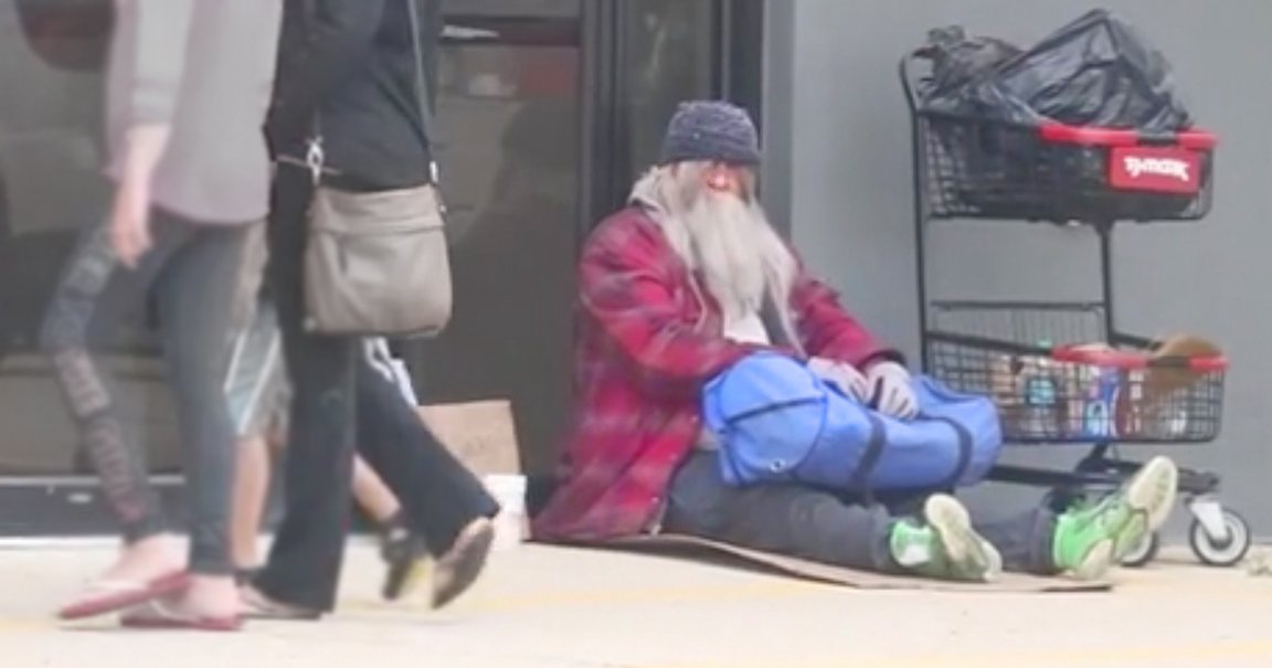 Homeless Pastor Experiment Camps Out in Front of Church to See What People Would Do