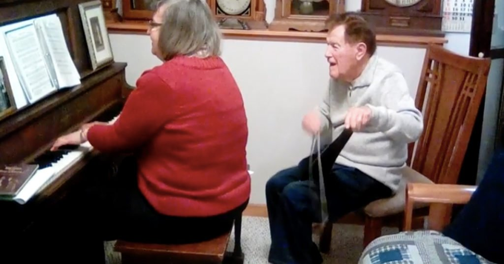 93-Year-Old Uses A Saw To Play Classic Hymn 'Just As I Am'