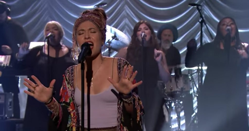 Lauren Daigle Makes Late Night Debut 'Look Up Child'