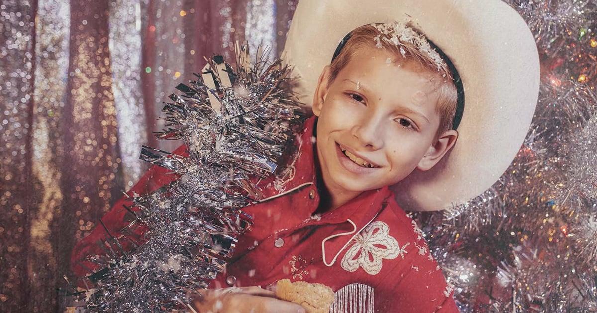 Kid Yodeler Mason Ramsey - White Christmas (Official Lyric Video)