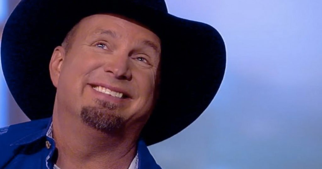 Garth Brooks Gets Teary-Eyed Singing His Thanksgiving Song