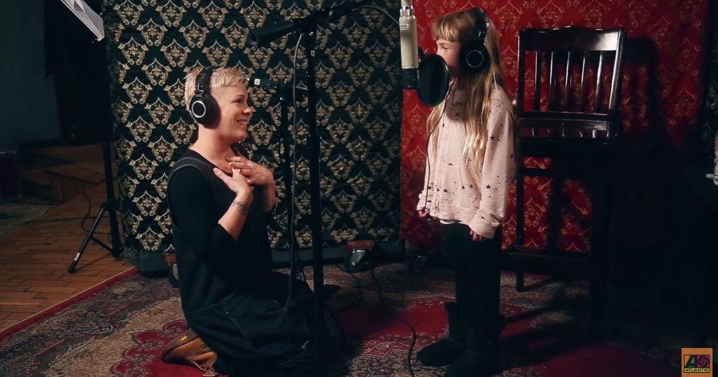 Pink Sings 'A Million Dreams' with Her Talented Daughter, Willow Sage Hart