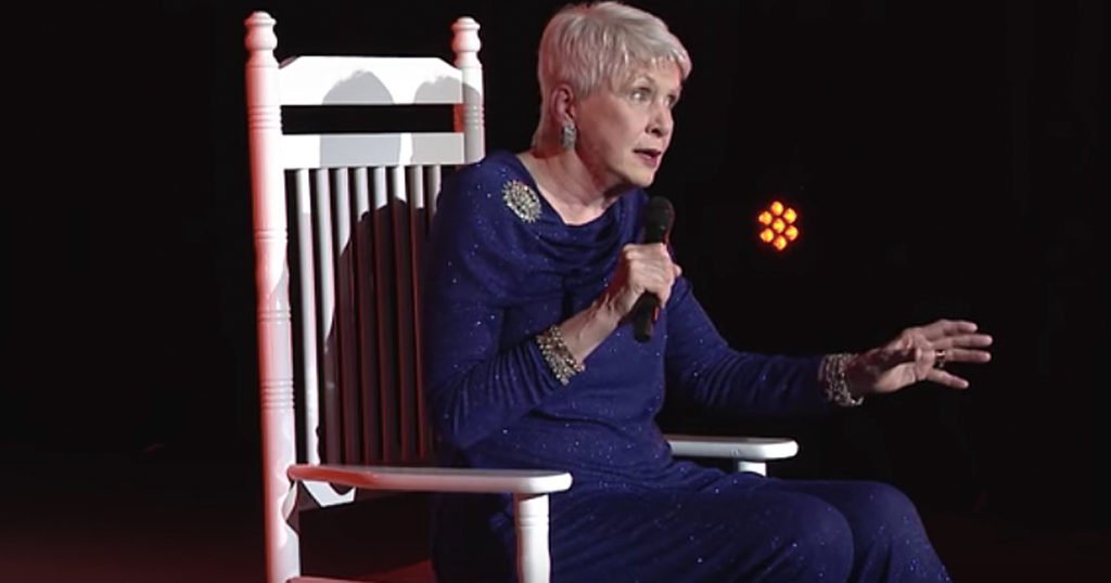 Jeanne Robertson Has Us Cracking Up Over Left Brain's Christmas Gifts