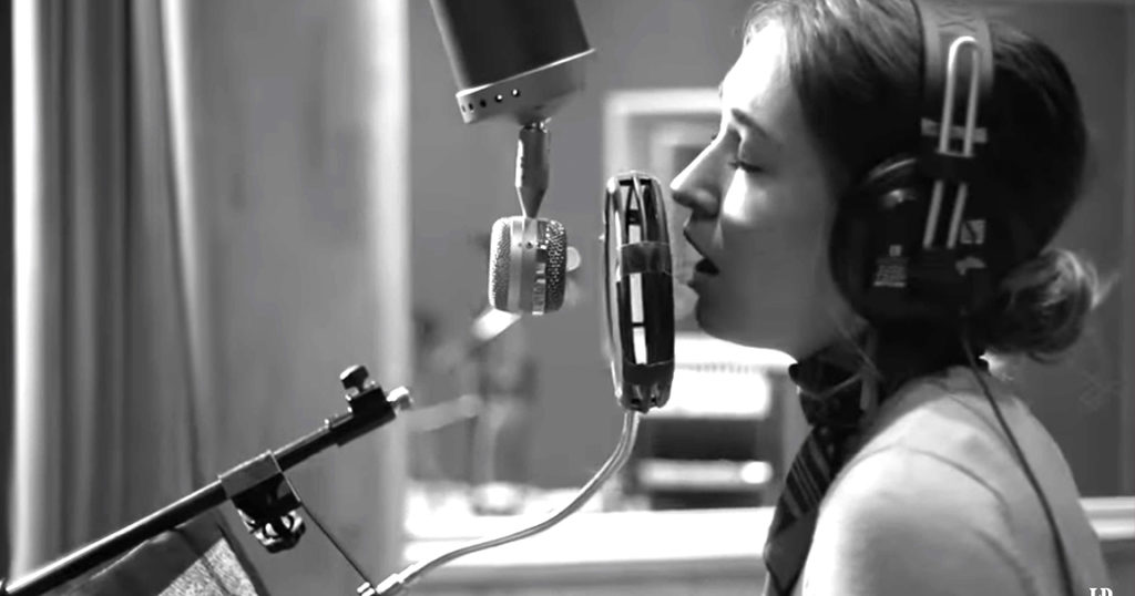 Lauren Daigle's Unique Take on The Christmas Song
