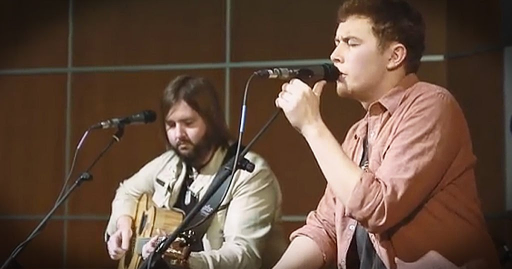 Scotty McCreery Sings 'Christmas In Heaven,' A  Song For Lost Loved Ones