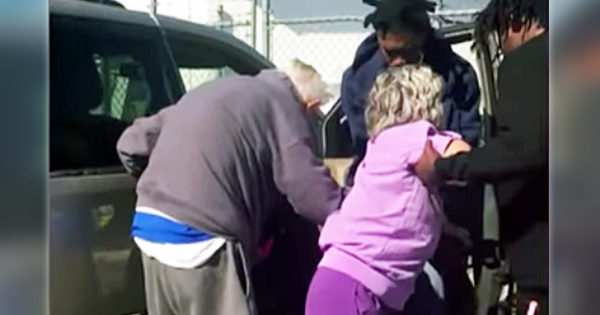 Police Officer Films 3 Men At Gas Station Who Rush To Help Elderly Couple