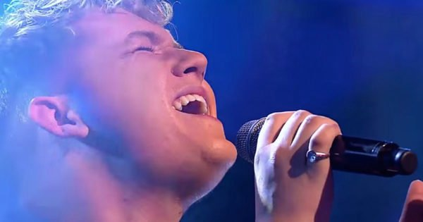 Talented Teen's Inspiring 'Hallelujah' Performance Wins Talent Competition