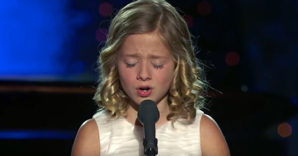 Jackie Evancho With 'The Lord's Prayer' In Clip From The Dream With Me Tour