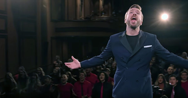 200 Kids Singing 'You Raise Me Up' With Peter Hollins Is Powerful Beyond Words