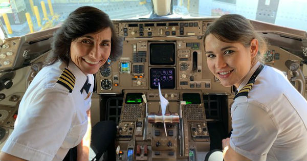 mother-daughter pilot team