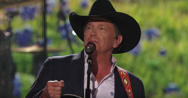George Strait Performs 'God And Country Music' Live At Awards Show And It's Phenomenal