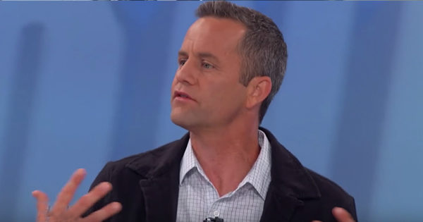 Kirk Cameron On Smartphone Addiction And How Parents Can Protect Their Kids