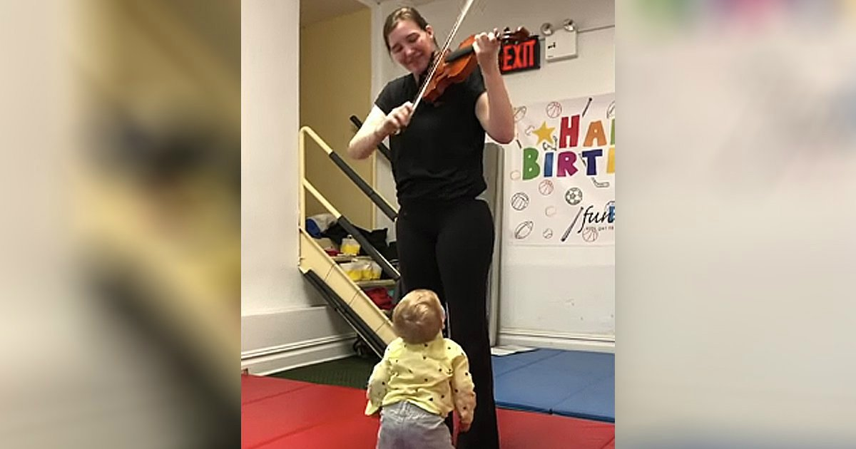 baby hears violin first time