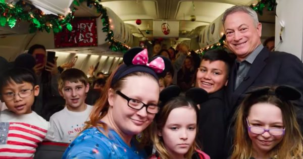 Actor Gary Sinise Sends 1000 Kids Of Fallen Military Heroes To Walt Disney World