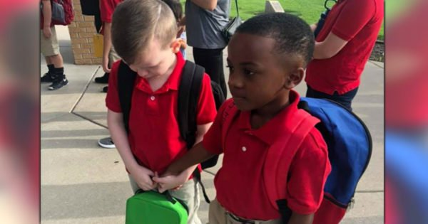 2nd Grader Sees Boy With Autism Crying On 1st Day Of School And His Compassion Is Going Viral