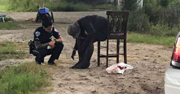Photo Of Cop Washing Foot of Mentally Ill Woman Goes Viral But Here's The Story You Haven't Heard