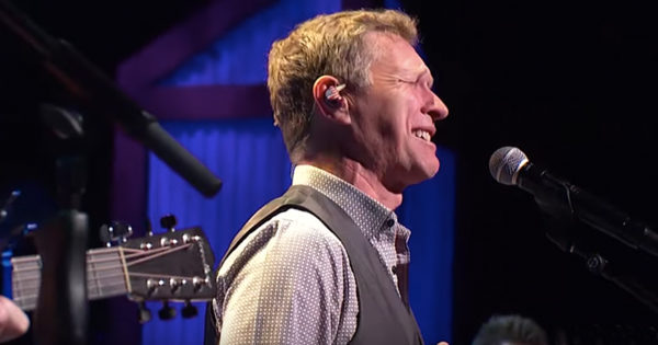 Craig Morgan Remembers Late Son And Sings 'The Father, My Son and The Holy Ghost'