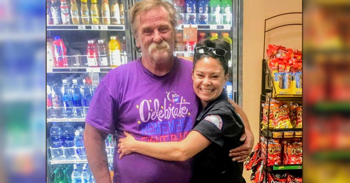 woman helps homeless man Jeanah Nomelli