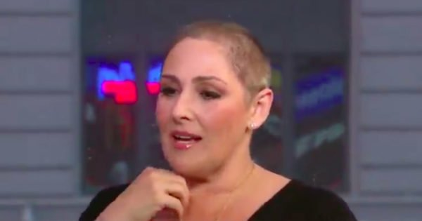 Ricki Lake Loss Of Hair Is A Secret She Hid For Decades And Says Role In 'Hairspray' Is To Blame