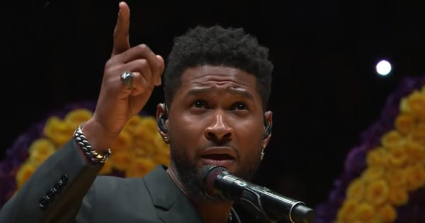 In An Emotional Tribute To Kobe Bryant, Usher Sings A Beautiful Version Of 'Amazing Grace'