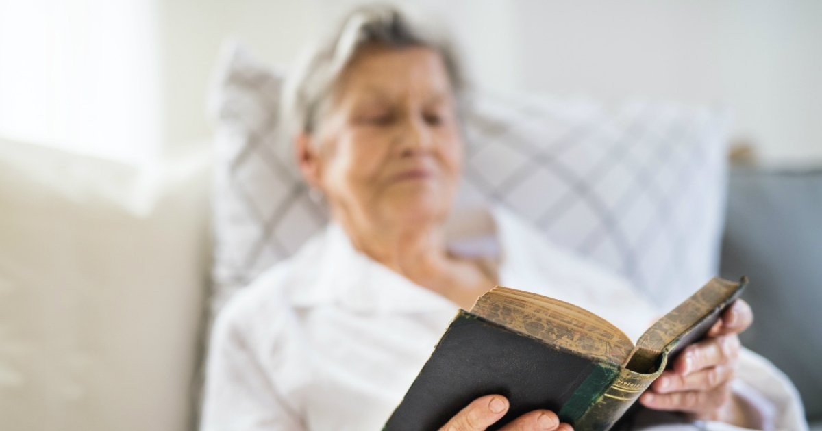 plans to read the whole bible 99-year-old woman