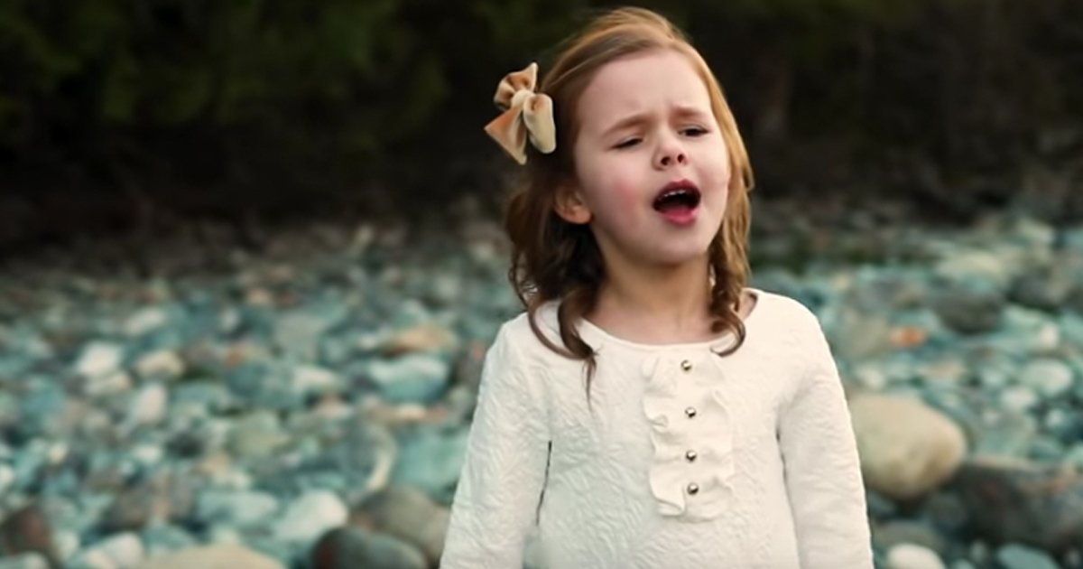Claire Crosby singing I Know That My Redeemer Lives