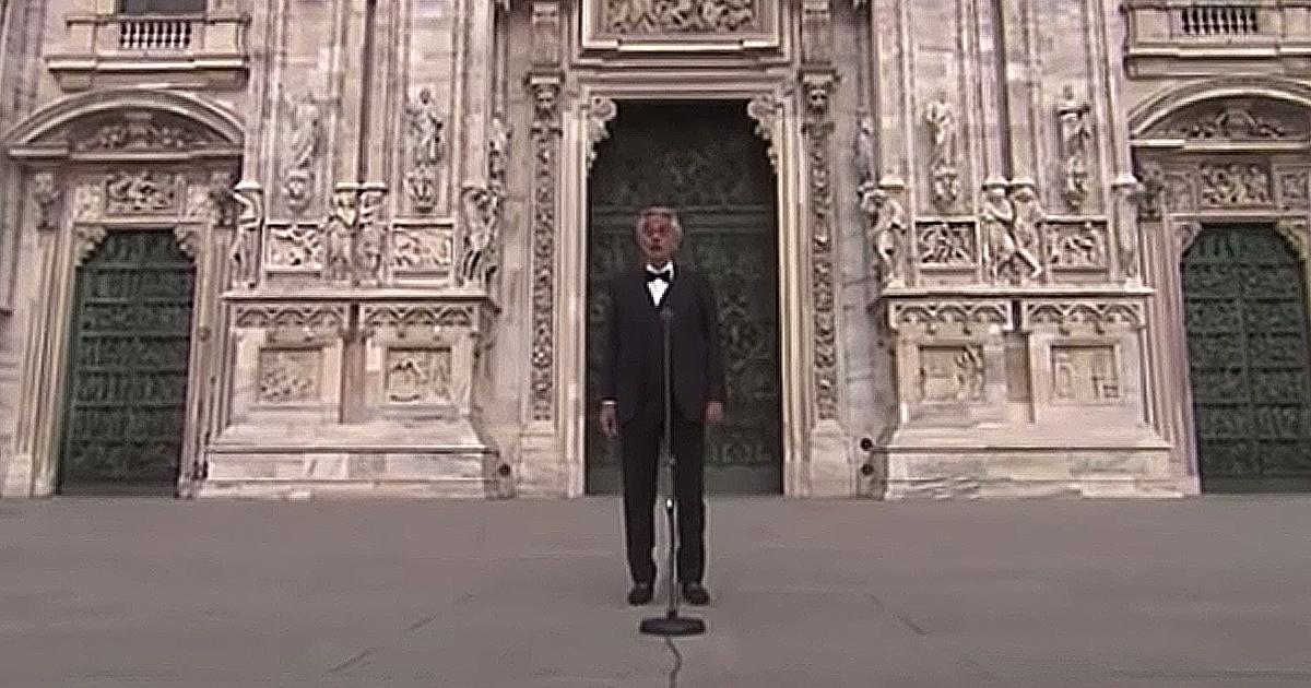 Andrea Bocelli Amazing Grace empty plaza in Milan Easter 2020