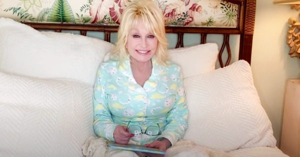 Dolly Parton Reads Books To Kids At Bedtime And It's Just 1 More Reason To Love The Country Star
