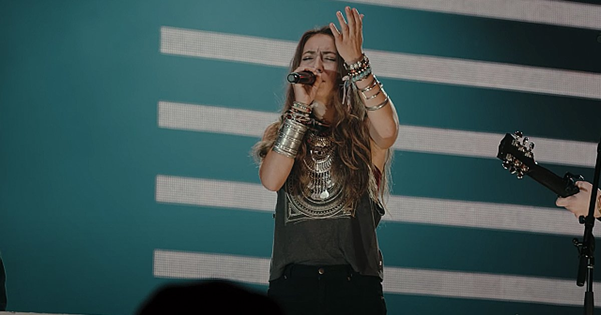 Lauren Daigle and Hillsong UNITED How Great Thou Art