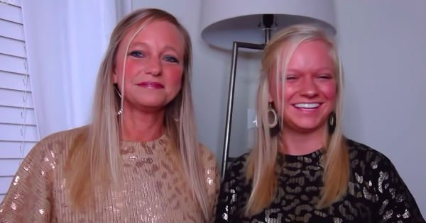 mother and daughter viral video